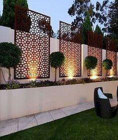 35 Georgeus Small Garden Design Ideas Low Maintenance Because you have a small garden, it doesn't want to work a lot. A small garden can be very exotic with just a little planning. Improving a beautiful modern garden [ … ] Amazing Gardens, Small Backyard, Fence Design, Small Garden Design, Small Garden Design Ideas Low Maintenance, Front Yard