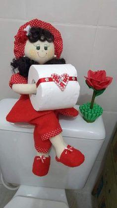 Diy Doll Toilet, Diy Toilet Paper Holder, Soft Sculpture, Fifa, Towel, Dolls, Sewing, Holiday Decor, Crafts