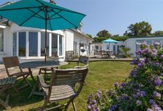 Blue Bay, Mawgan Porth. Sleeping up to 20 people; perfect for a family get holiday or event!