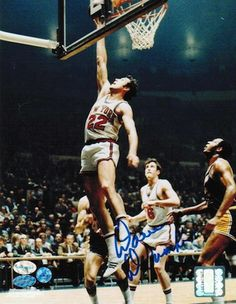 Autographed Dave DeBusschere New York Knicks 8x10 Photo