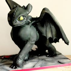 Sculpted Toothless cake from How to Train your Dragon. www.sweetassugarcakes.com