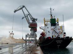 Terminal vracs industriels | Port de Sète Marines, Fighter Jets, Palette, Industrial, Boat, Ship, Cathedrals, Landscape, Photography
