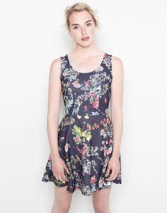 Pull&Bear - mujer - vestidos - vestido estampado flores espalda abierta - marino - 09391381-V2014