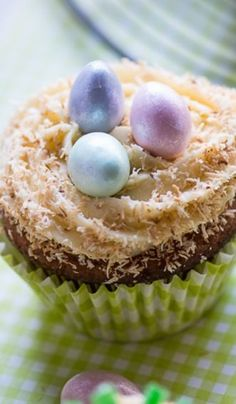 Easter Cupcakes with Maple Cream Cheese Frosting