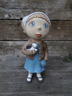 Jarní s pomněnkami (na objednávku) Figurka, výška 26 cm. Ceramica Artistica Ideas, Clay People, Pinch Pots, Collectible Figurines, Clay Art, Ceramic Art, Art Dolls, Upcycle, Projects To Try