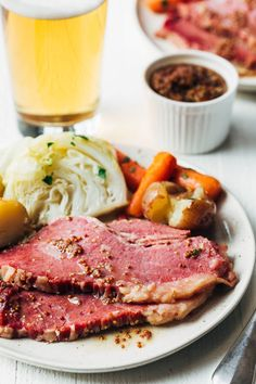 Corned Beef Brisket, Corned Beef Recipes, Meat Recipes, Dinner Recipes, Cooking Recipes, Dinner Ideas, Holiday Recipes, Pressure Cooker Corned Beef, Pressure Cooker Recipes