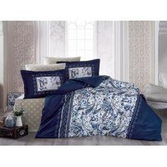 Una dintre cele mai de lux  este gama Satin Bumbac , cunoscuta si ca Satin Deluxe. Lenjeriile din aceasta gama ofera un confort exceptional datorita materialului de inalta calitate si foarte fin la atingere. De asemenea, tesatura este foarte rezistenta atat la rupere cat si la decolorare, imprimeul fiind realizat cu o tehnologie de ultima generatie. Comforters, Blanket, Bed, Satin, Home, Creature Comforts, Quilts, Stream Bed, Elastic Satin