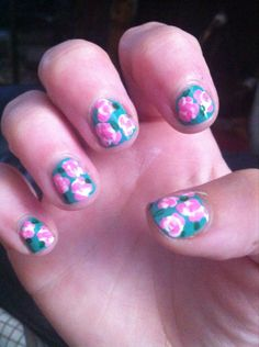Floral nails simplified