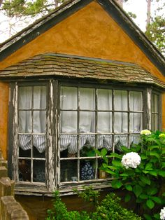 SUNWISE TURN – A HUGH COMSTOCK FAIRYTALE COTTAGE IN CARMEL-BY-THE SEA – Once upon a time..Tales from Carmel by the Sea