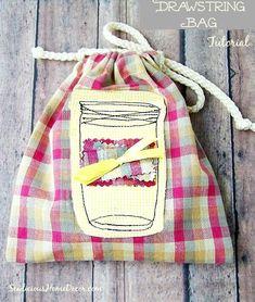 Easy Mason Jar Drawstring Bag Tutorial | http://sewlicioushomedecor.com