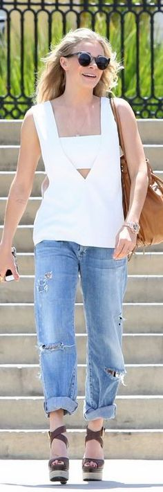 uncategorized  Who made LeAnn Rimes white cut out top that she wore in Calabasas on May 1, 2014?