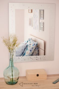 Amueblamiento y decoración en el piso de Inma - detalle dormitorio #amueblamiento #furnish #decoracion #decor #dormitorio #bedroom #tonosneutros #neutraltones #wood #madera