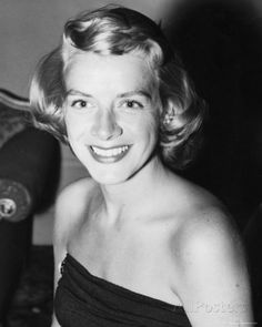 Rosemary Clooney Rosemary Clooney was an American singer and actress. My favorite song Mambo Italiano in Hollywood Icons, Golden Age Of Hollywood, Hollywood Stars, Classic Hollywood, Old Hollywood, Hollywood Actor, Rosemary Clooney, Classic Movie Stars, Classic Movies