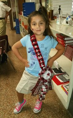 made by mommy Denise Gallegos Homecoming Mums Senior, Homecoming Flowers, Football Homecoming, Homecoming Garter, Homecoming Corsage, Homecoming Spirit Week, Homecoming Dresses, Big Mum, Texas Mums