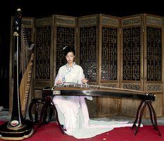Ancient music at Suzhou gardens, China.  Música tradicional china en los jardines de Suzhou.