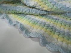 manta de bebe realizada en crochet y dos agujas