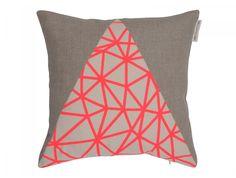 Coussin décoration: Pyramide rose Par HelloPillow