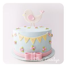 Amazing Baby Shower Cake Ideas that Will Inspire You in 2019 Amazing Baby Shower Cakes, Baby Shower Cakes Neutral, Torta Baby Shower, Bolo Laura, Fete Marie, Baby Pasta, Fondant Cake Designs, Cupcake Cakes, Cupcakes