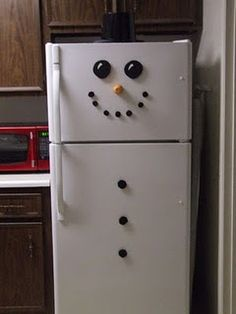 Snowman - This is giving me ideas to do more fun things than regular magnets on the fridge