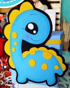 Paper Piecing, Roxy, Tweety, Ideas Para, Minions, Baby Shower, Diy Crafts, Disney, House Party
