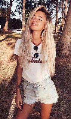 White t-shirt + denim shorts / summer outfit ideas
