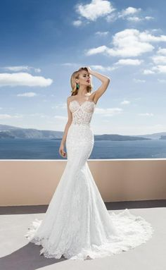 2016 New Arrival Lace Wedding Dresses Mermaid Summer Beach Bridal Wedding Gowns Illusion TopStrapless Trumpet Cathedral Wedding GOWN Lace up