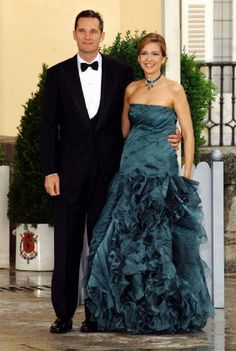 Spain S Princess Cristina And Her New Husband Inaki Urdangarin Stroll Along The Gardens Of Barcelona Pedralbes Palace Following Their Wedding At