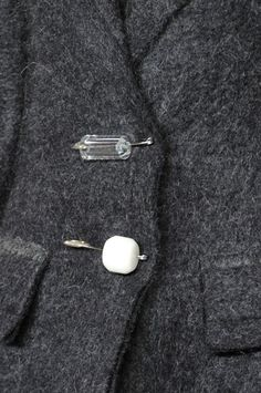 Grey wool jacket with safety pin bead buttons Calvin Klein Fall 2014 Couture Details, Fashion Details, Fashion Design, Women's Fashion, Fashion Ideas, Calvin Klein Collection, Fabric Manipulation, Mode Style, Little Things