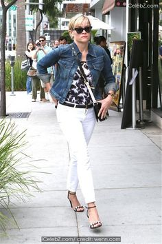 Reese Witherspoon  shops in Beverly Hills http://icelebz.com/events/reese_witherspoon_shops_in_beverly_hills/photo1.html