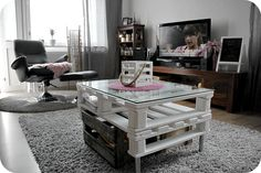 Kotikuvia Table, Life, Furniture, Home Decor, Decoration Home, Room Decor, Tables, Home Furnishings, Home Interior Design
