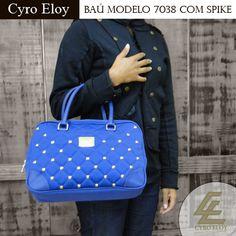 A Cyro Eloy está cheias de produtos estilosos e incríveis! Como essa bolsa baú lindíssima! #musthave Confira na nossa loja virtual: http://www.cyroeloybolsas.com.br/loja/204-ba%C3%BA-modelo-7038-com-spike.html