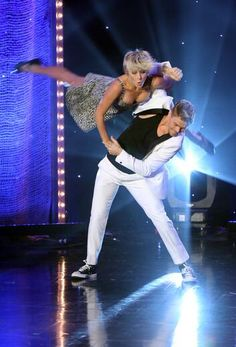 I simply can NOT stop watching them dance #DerekHough #JulianneHough I have tickets to their Move on Live Show....cannot wait!!!!!