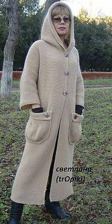 Потрясающе красивое, стильное пальто спицами платочной вязкой. Автор Светлана…