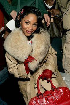 Lil' Kim at Marc Jacobs in Classic & totally surprising. Black Girl Magic, Black Girls, Black Women, Hip Hop Fashion, Fur Fashion, Lil Kim 90s, Kimberly Jones, Black Girl Aesthetic, Celebs