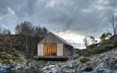 Tyin Boathouse: In Norwegen (Aure) ist dieses Bootshaus zu finden, das sich die...