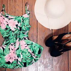 Bold printed top with a sun hat and stunning heels!