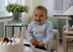 Prince Oscar for his 1st birthday.Kungahuset.se