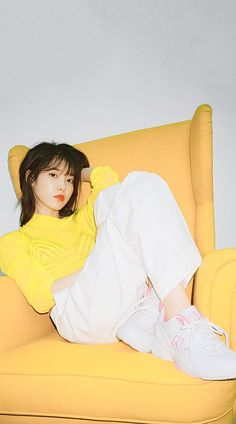 """The New Style for 2019 is a rebellion, rather, a revolution, against the """"skinny"""" fashion of the last decade. Iu Fashion, Korean Fashion, Style Fashion, Fashion Outfits, Oppa Gangnam Style, Eun Ji, Ailee, Little Sisters, K Idols"""