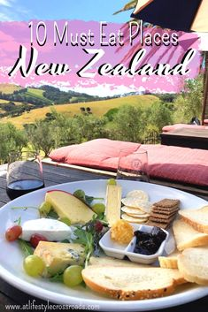 10 Must-Eat Places in New Zealand - At Lifestyle Crossroads food newzealand musteat foodies travetips 377739487495118829 New Zealand Itinerary, New Zealand Travel Guide, Lunch Places, Places To Eat, New Zealand Food, Sydney, Polynesian Food, Burger Bar, Foodie Travel