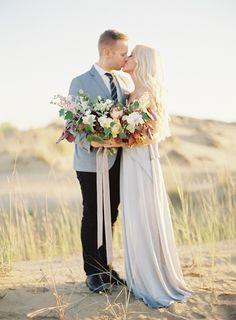 eleagnt-natural-bouquet-wedding