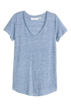 V-neck top in linen jersey with short sleeves and a gently rounded hem.