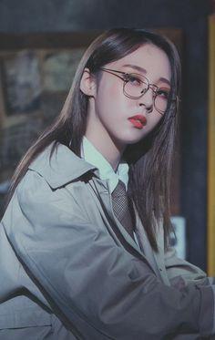2019 Mamamoo Season's Greetings - Moonbyul Kpop Girl Groups, Korean Girl Groups, Kpop Girls, Divas, Mamamoo Moonbyul, Solar Mamamoo, Stars And Moon, Me As A Girlfriend, Pop Group