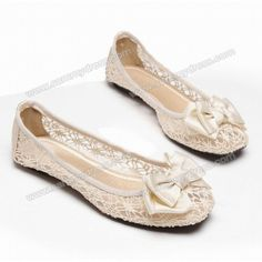 Casual Lace Women's Flat Shoes With Satin Bowknot Design PRICE  $17.64         #flats #fashion #shoe