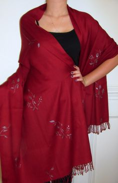 Buy evening shawls in  burgundy red black green orange rust purple blue navy pink and look elegant.
