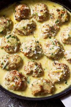 Pesto Chicken Meatballs Creamy chicken meatballs - It's comfort food at its tastiest and you can whip it up in about 30 minutes.Creamy chicken meatballs - It's comfort food at its tastiest and you can whip it up in about 30 minutes. Epicure Recipes, Mince Recipes, Cooking Recipes, Healthy Recipes, Healthy Ground Chicken Recipes, Healthy Food, Healthy Meals, Pesto Chicken, Creamy Chicken
