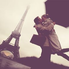 Romantic Kiss in Front of the Eiffel Tower - Perfect Honeymoon Destination #MyHOFWeddinglook