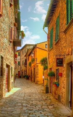 Montefioralle by Robert Murray