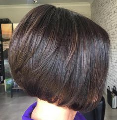 70 Cute and Easy-To-Style Short Layered Hairstyles Short Layered Brunette Bob Short Layered Haircuts, Layered Bob Hairstyles, Hairstyles Haircuts, Cool Hairstyles, Brown Hairstyles, Layered Bobs, Modern Haircuts, Formal Hairstyles, Braided Hairstyles