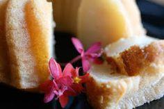 Une-deux senses: Coconut Mochi Cake