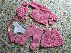 Knitted in 4ply to fit 12 or 16 inch doll.